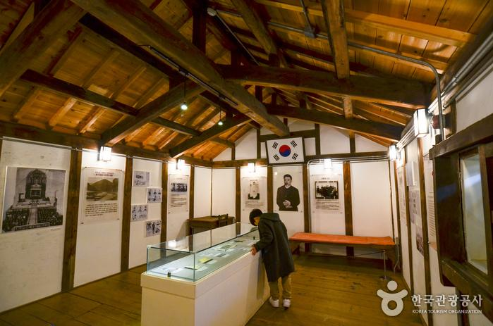 군산근대미술관 뒤쪽에 안중근 의사가 순국한 뤼순 감옥을 재현한 공간