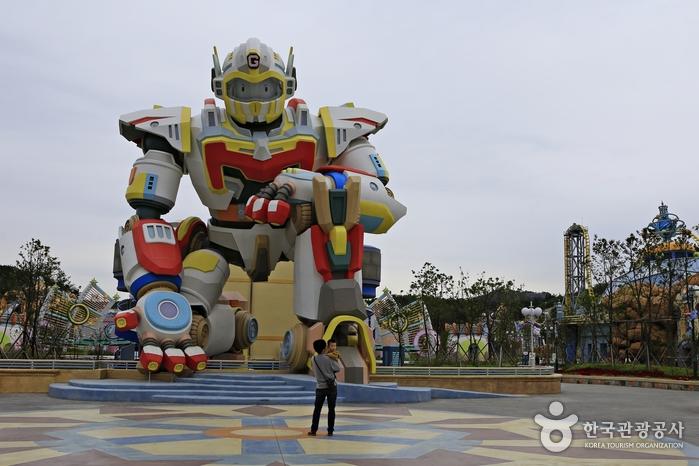 로봇랜드의 상징인 로봇 조형물