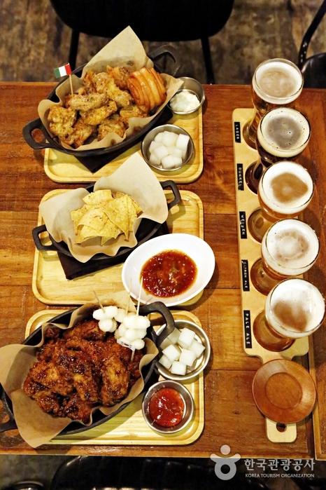 다양한 치킨과 함께 즐기기 좋은 맥주 샘플러