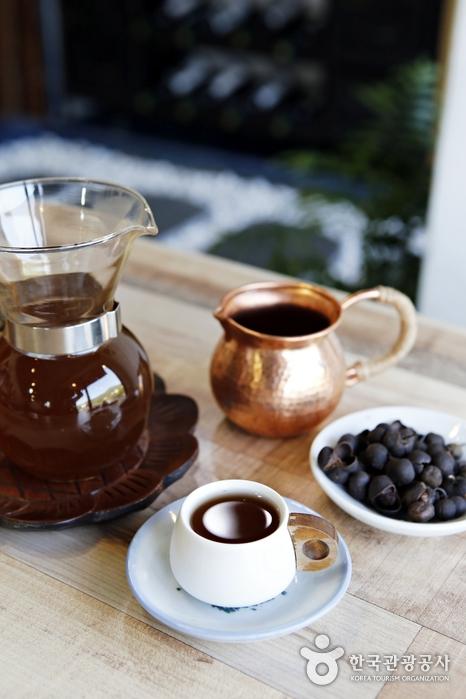 커피를 대체할 만한 음료를 연구하며 만든 차콩차