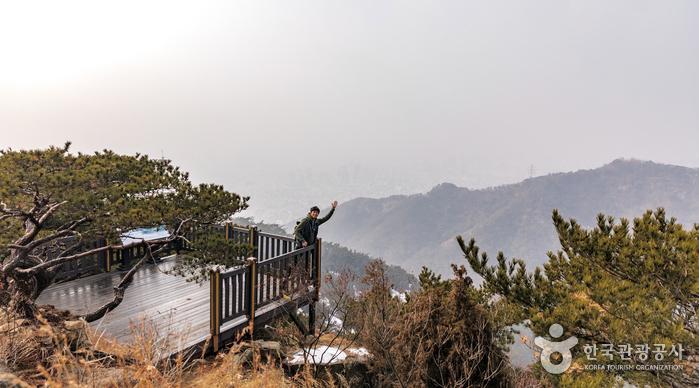아차산 전망대의 모습