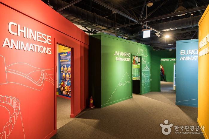세계의 애니메이션과 캐릭터를 전시한 2층 세계관