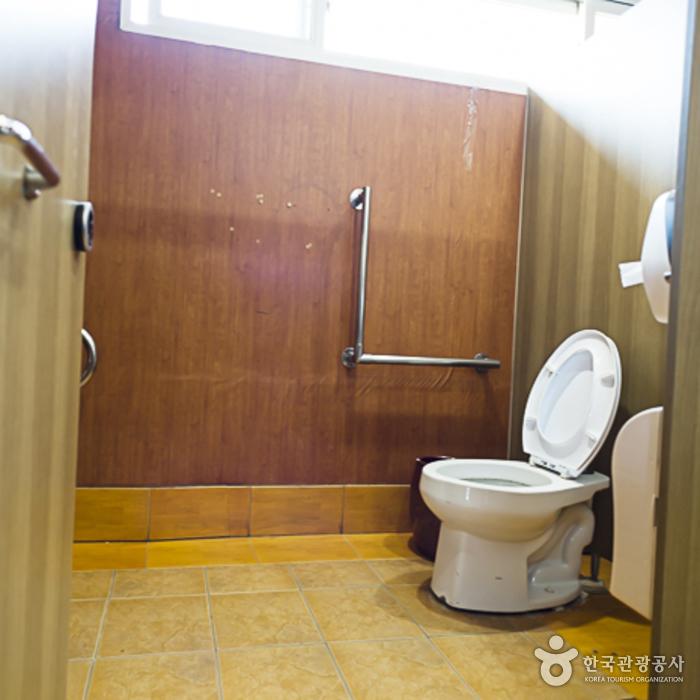 남이섬 가평나루 장애인화장실