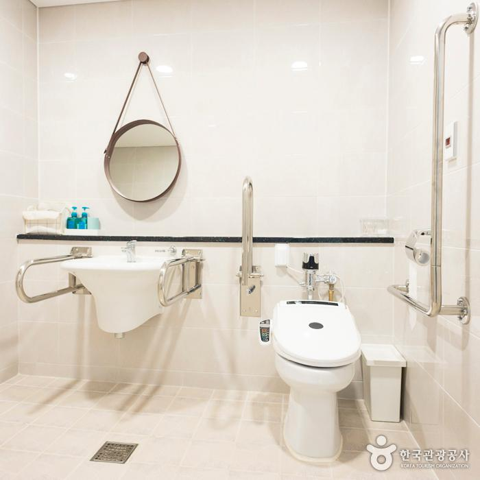 에코빌리지 유스호스텔 화장실
