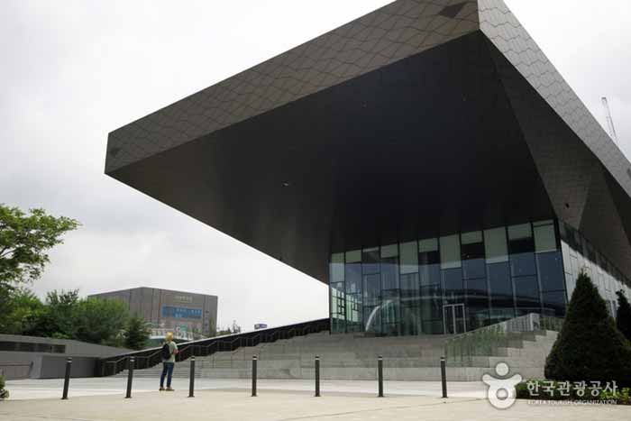 현대 모터스튜디오 고양 건물