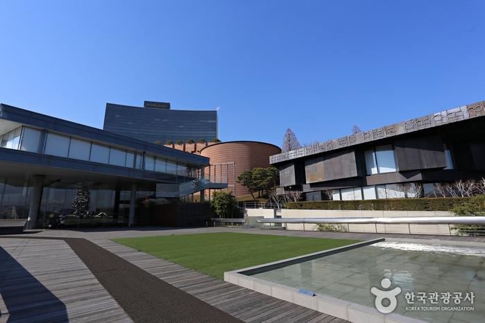 건축계의 거장 마리오 보타, 장 누벨, 렘 콜하스가 설계한 삼성미술관 리움