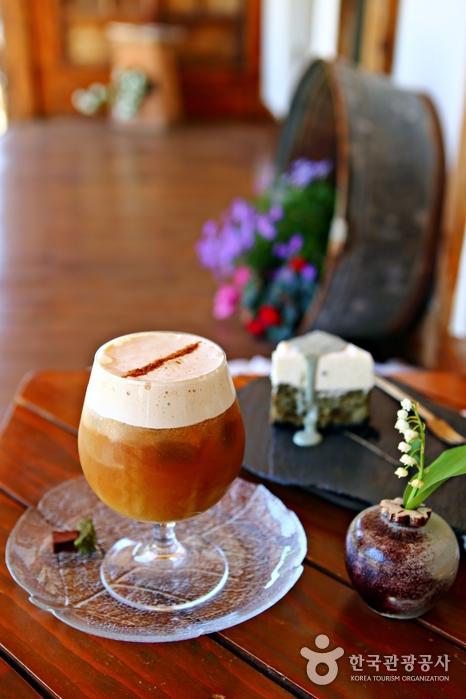 달콤하고 부드러운 맛의 카시크 커피